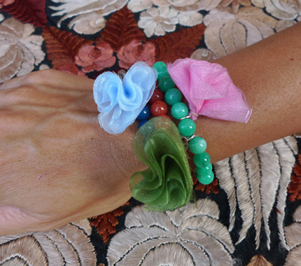 pulsera flores tela