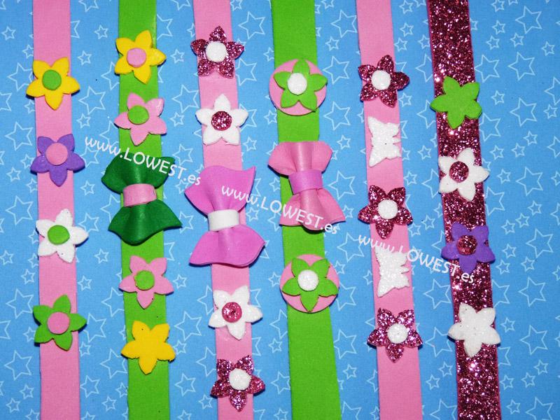 Collares infantiles en goma eva for Como hacer pulseras de goma eva