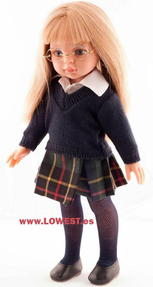 Muñeca con vestido de colegio estilo Highlands